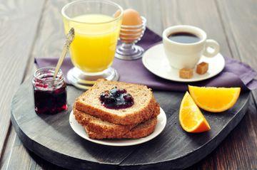 Смачно і корисно: головні правила сніданку - фото 1