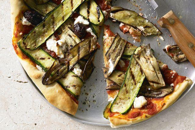 Пицца с баклажанами - фото 232312