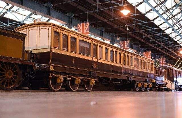 Як влаштований поїзд королеви Великобританії  - фото 252676