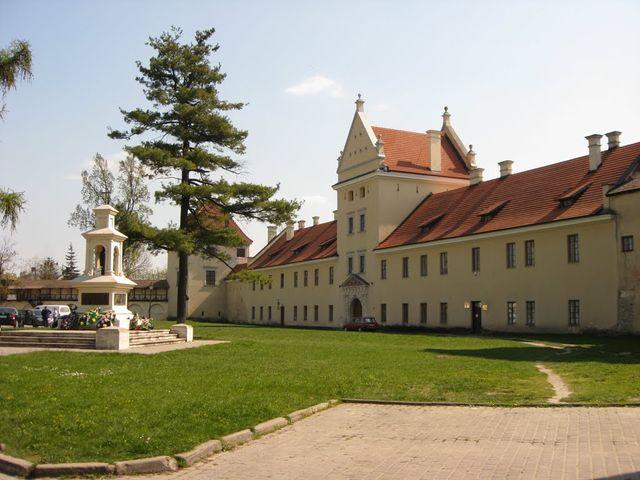 Жовківський замок - фото 243101