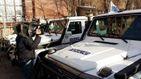ЄС передав 20 броньованих авто на Донбас