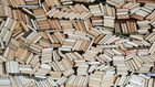 Ученые научились читать книги, не открывая их