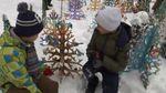 Школярі прикрасили 114 новорічних ялинок та встановили рекорд