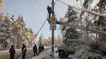 Багато українців залишилися без світла через негоду