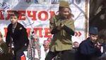Діти з автоматами: мережу шокувало відео з концерту в Севастополі