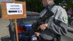 Через підозрілі автівки дві виборчі дільниці евакуювали у Франції
