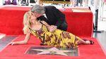 Курт Рассел та Голді Хоун отримали зірки на Алеї слави: з'явилися фото