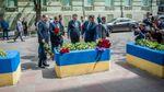 Вибух у Манчестері: українські міністри принесли квіти до посольства Великобританії