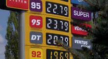 Чому дорожчає бензин: думки експертів