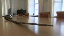 Стародавній меч, конфіскований на естонсько-російському кордоні, передадуть Україні
