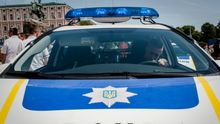 Невідомі обстріляли наряд поліції у Києві: патрульний поранений в голову