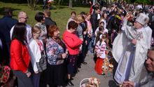 Яценюк впервые появился на публике после отставки