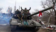 Эксперты рассказали, почему Россия наращивает новую военную технику на Донбассе