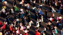 У Харкові влаштували масовий танцювальний флешмоб