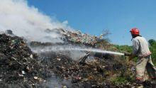 Трагедия возле Львова: четверо человек до сих пор находятся под завалами мусора (Обновлено)