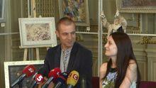 Депутат Гаврилюк представив свою молоду дружину журналістам