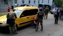 Спецоперация в центре Житомира: полицейских задержали за наркодилерство