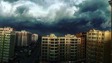 Удивительные грозовые облака и сильный ливень в Киеве: фото и видео стихии