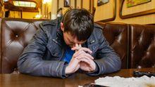 Парасюку разбили нос депутаты Оппоблока: появились фото и видео