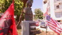 В Албании открыли памятник Хиллари Клинтон