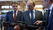 Россия сегодня позиционирует себя как вооруженную до зубов бывшую Советскую империю, – Яценюк