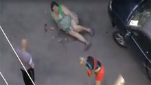 """Депутат від """"Опоблоку"""" збив жінку і нахабно знищив її продукти"""