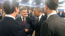 Порошенко поговорив з Обамою на саміті НАТО: з'явилися фото