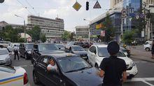 Через хресну ходу перекрили дороги у Києві – водії розлючені: з'явилися фото
