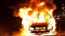 В Енакиево местные выследили и сожгли машины террористов