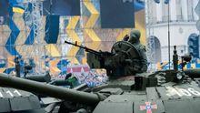 В Киеве отгремел парад: эффектные фото военных и мощной техники