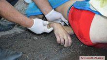 Поліцейські до смерті забили чоловіка на очах у дітей (фото 18+)