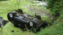 Рятувальники дістали з річки автомобіль і двох загиблих жінок на Харківщині