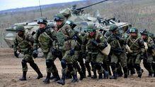 У розвідці повідомили, скільки Росія стягнула військ і техніки до кордону з Україною