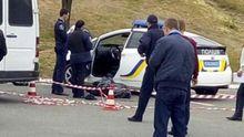 Підозрюваний у вбивстві патрульних забарикадувався, поліція готує штурм, – очевидець