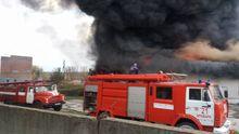 Пожежа на Київщині: у небі видніється величезний стовп чорного диму