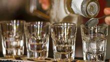 Прокуратура встановила, хто виготовляв отруйний алкоголь на Харківщині