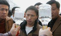 Чтобы выпить и выжить: эксперт объяснил, как отличить настоящий алкоголь от фальсификата