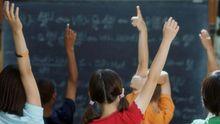 Зона АТО: діти навчають в школах, куди долітають снаряди