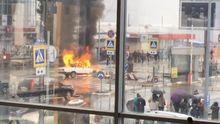 Автомобиль горел посреди дороги в Харькове