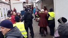 Драка с полицией, которая применила слезоточивый газ, произошла в Ивано-Франковске