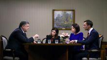 Украина требует продлить санкции против России на весь 2017 год, – Порошенко