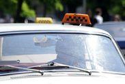 Таксист, який вдарив жінку з дитиною у Києві, був нелегальним, – профспілка