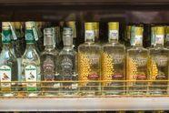 Масштабный цех по изготовлению поддельной водки разоблачили в Киеве