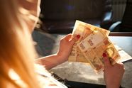 В Кабмине пообещали украинцам еще большие зарплаты
