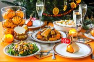 Скільки коштуватиме накрити новорічний стіл: підрахунок від експертів