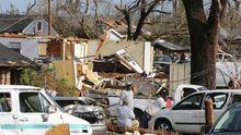 Мощные торнадо бушуют в США: погибли уже 18 человек