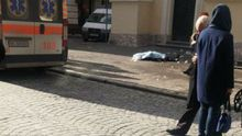 Брила  снігу вбила жінку у центрі Львова