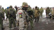 """Озброєні """"тітушки"""" штурмували пост блокувальників, є постраждалі"""