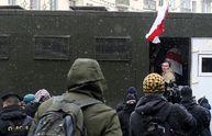 Украинцев зовут на протесты из-за массовых задержаний у соседей