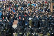 Мітинги в Росії: близько 1200 затриманих у Москві, пограбування офісу Навального
